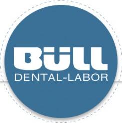 Auch Zahnersatz muss gepflegt werden | Norderstedt